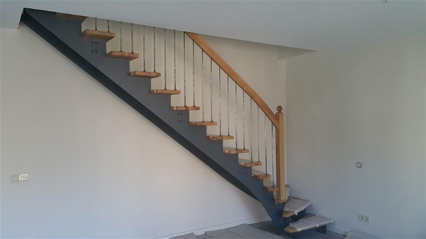 çelik konstrüksiyon merdivenler