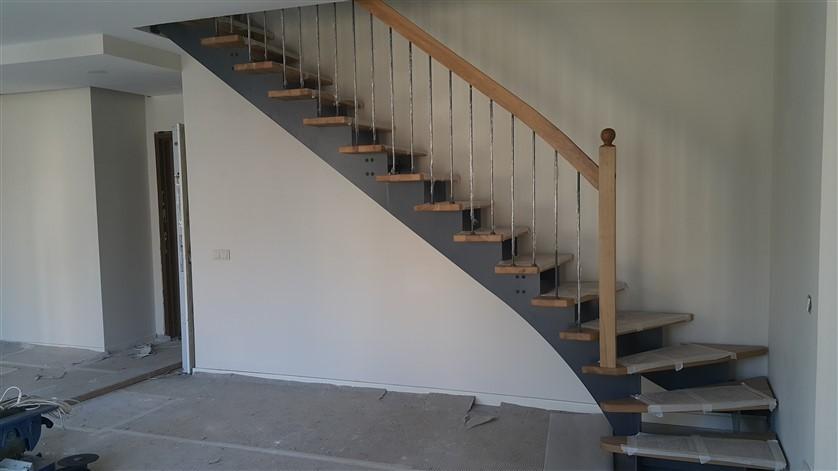 döner çelik merdivenler