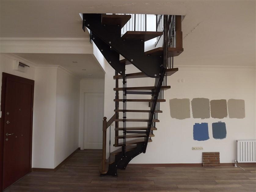 çelik merdivenler